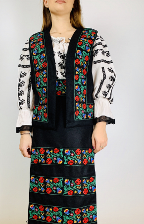 Costum traditional - Margo 5 - 4 piese [0]