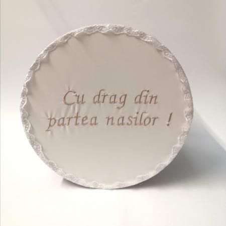 """Cutie pentru botez cu broderie """"Cu drag din partea nasilor"""" 5 [1]"""
