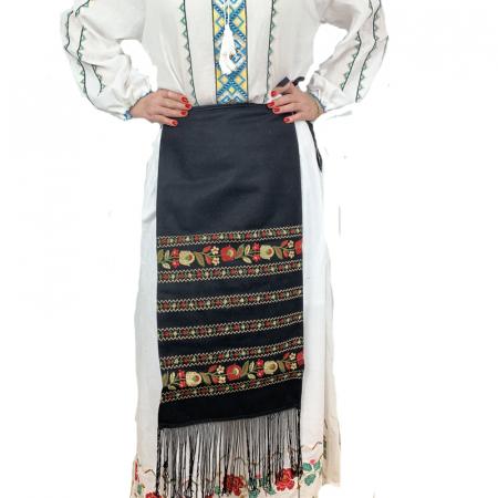Fota traditionala Suzana1
