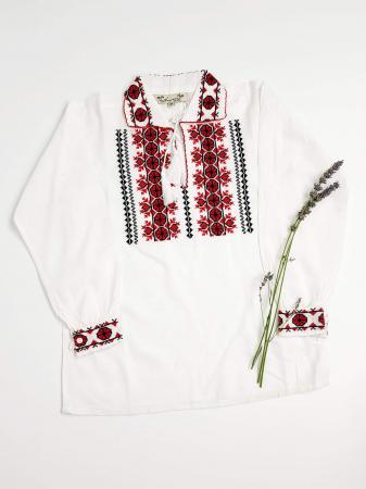 Ie Traditionala baieti Alin1
