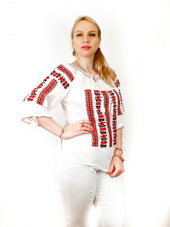 Ie Traditionala Oxana [1]