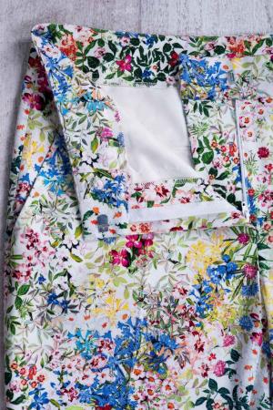 Pantaloni eleganti cu motive florale [2]