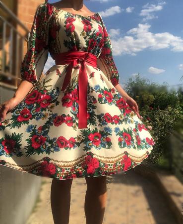 Rochie stilizata cu motive traditionale cu bujori 8 [2]