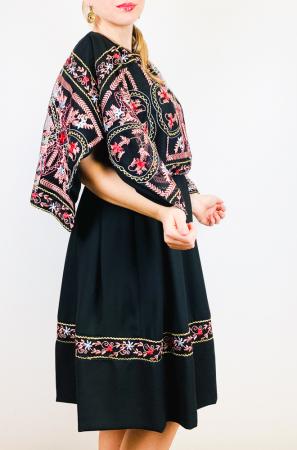 Rochie stilizata cu motive traditionale - Kara [1]