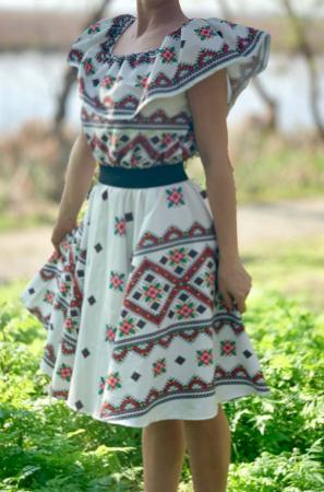 Rochie stilizata cu motive traditionale Madel 5 [1]