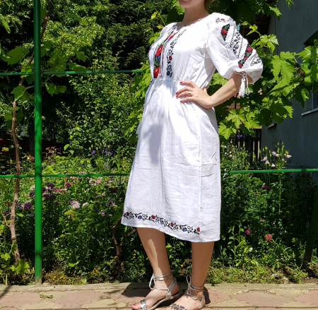 Rochie traditionala Melita [2]