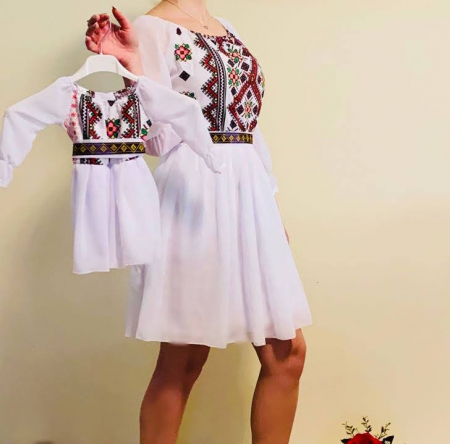 Rochita stilizata cu motive traditionale Magduta [0]