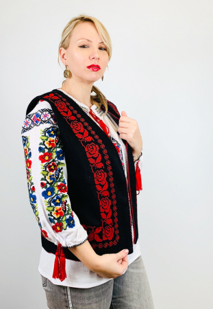 Vesta Traditionala Stefania1