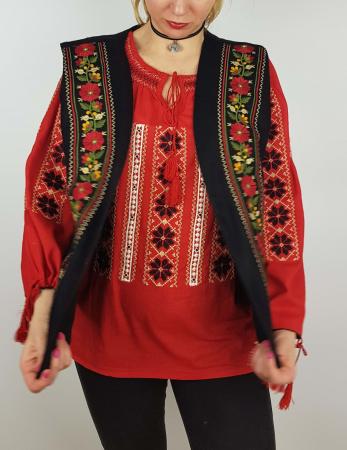 Vesta brodata cu model Traditional Suzana 82