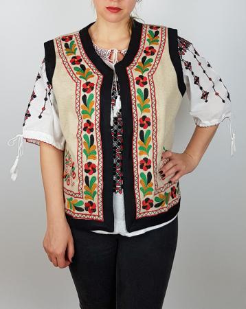 Vesta brodata cu model Traditional Suzana 9 [2]