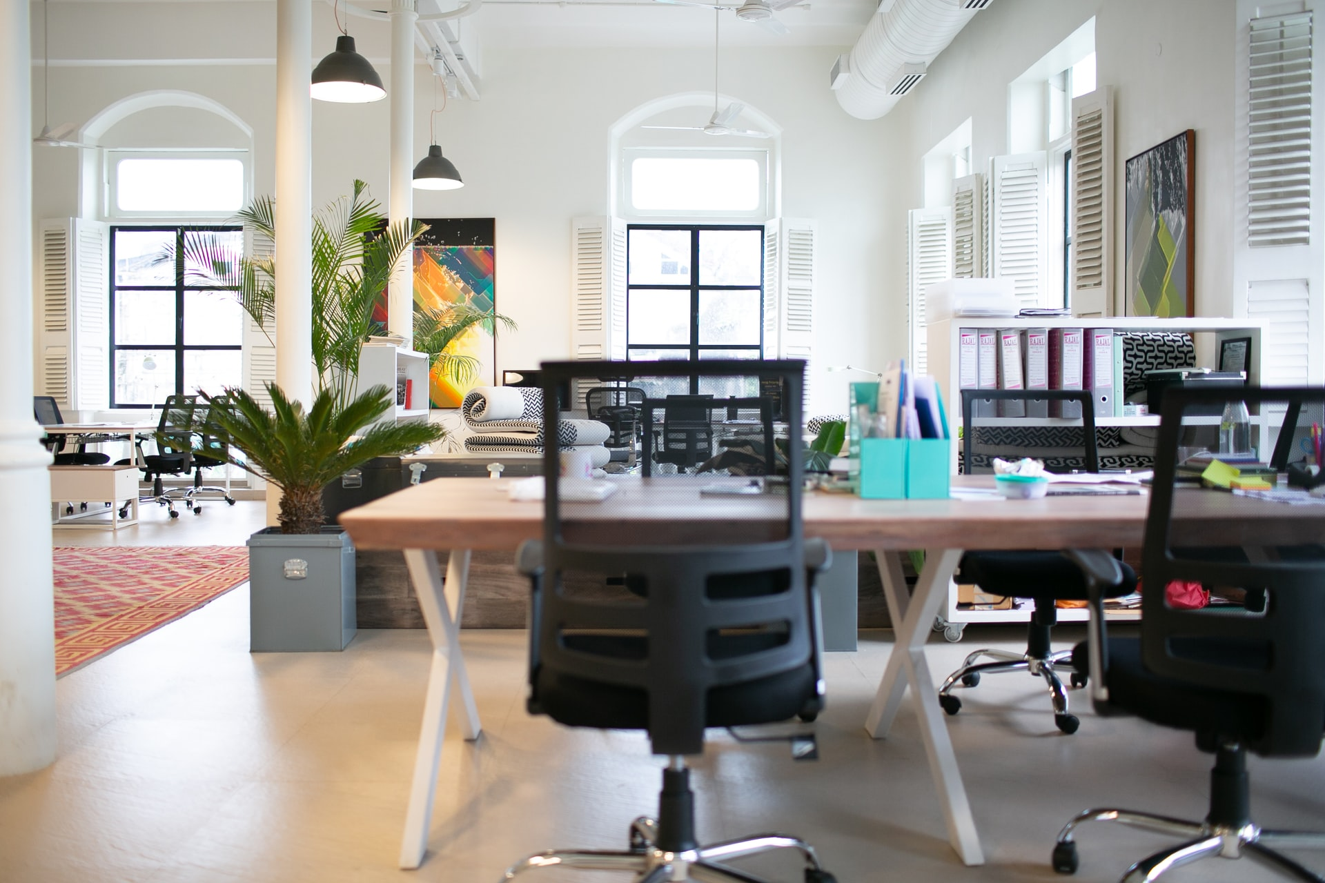 Parfumuri din uleiuri esentiale la birou. Cum le poti folosi eficient pentru a imbunatati creativitatea, eficacitatea si imaginea (5)