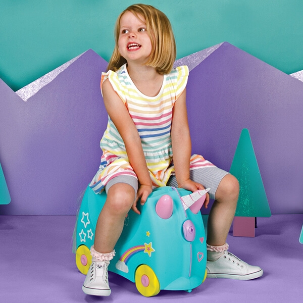 Set travel pentru copii - Valiza TRUNKI UNA - Unicornul + Perna calatorie Trunki Yondi Pink 7