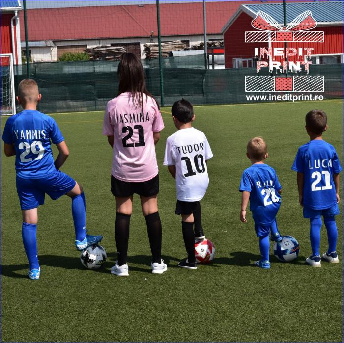 Echipament fotbal copii si adulti personalizat GIVOVA  EF4 [0]