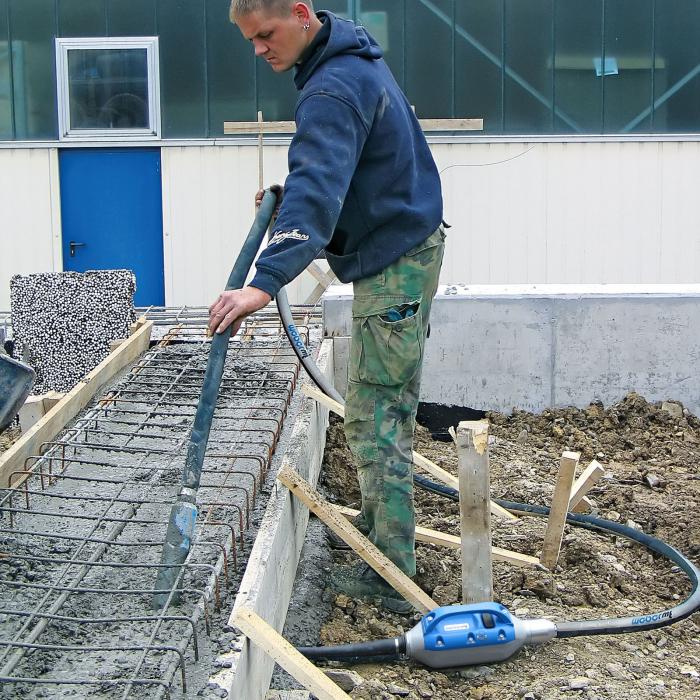 Vibrator beton cu convertizor încorporat Weber IVUR 40 [3]