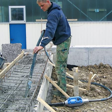 Vibrator beton cu convertizor încorporat Weber IVUR 58 [3]