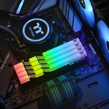 Memorie Thermaltake Toughram RGB 16GB DDR4 3200MHz CL16 Dual Channel [3]