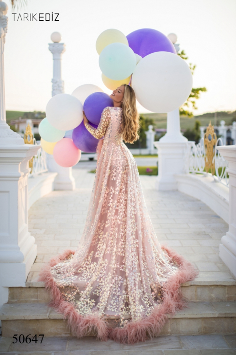 Rochie Tarik Ediz 50647 roz lunga de lux clos din paiete 3