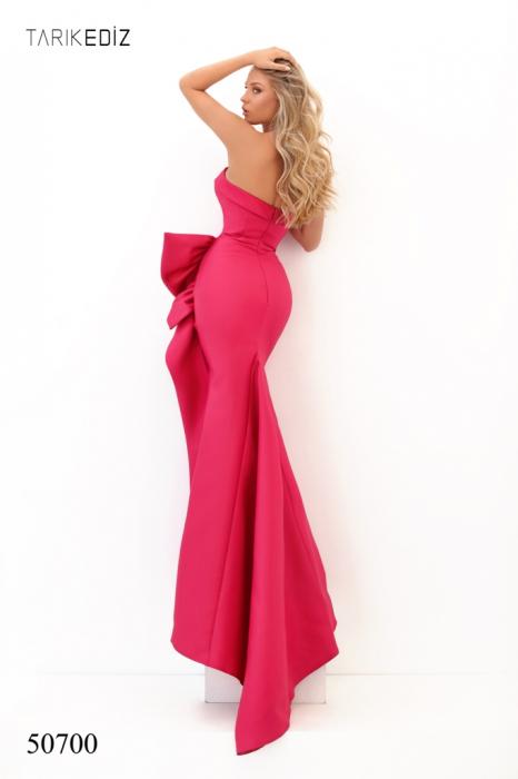 Rochie Tarik Ediz 50700 roz lunga de seara sirena din taffeta 1