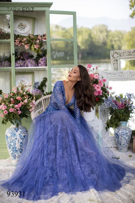 Rochie Tarik Ediz 93931 albastra lunga de seara clos din dantela 2