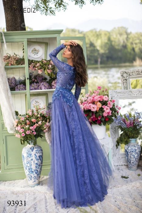 Rochie Tarik Ediz 93931 albastra lunga de seara clos din dantela 3