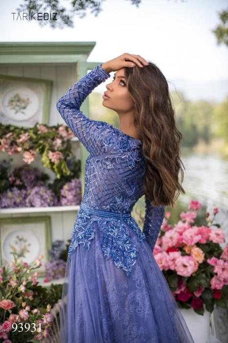Rochie Tarik Ediz 93931 albastra lunga de seara clos din dantela 4