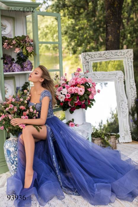Rochie Tarik Ediz 93936 albastra lunga de seara clos din tulle [1]