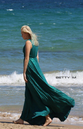 Rochie Betty M Celebrity verde lunga de seara in clos0