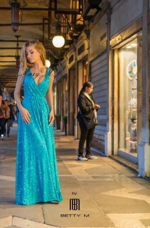 Rochie Betty M Celebrity turcoaz lunga de seara in clos2