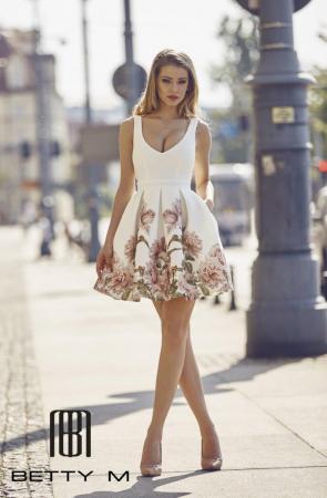 Rochie Betty M Happy Day Bis alba cu flori scurta de vara baby doll0