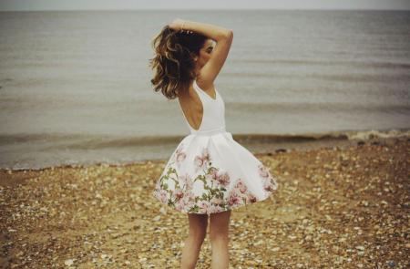Rochie Betty M Happy Day alba cu flori scurta de vara baby doll3