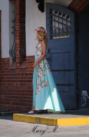 Rochie Betty M Phenomenal Roses verde cu flori lunga de vara in clos1