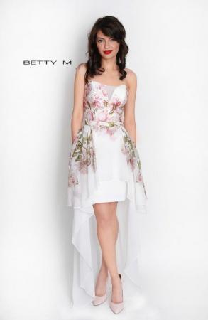 Rochie Betty M Queen Rosa alba cu flori scurta in fata de vara in clos0