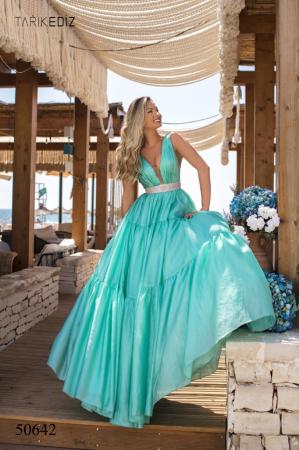 Rochie Tarik Ediz 50642 verde lunga de seara princess din organza0