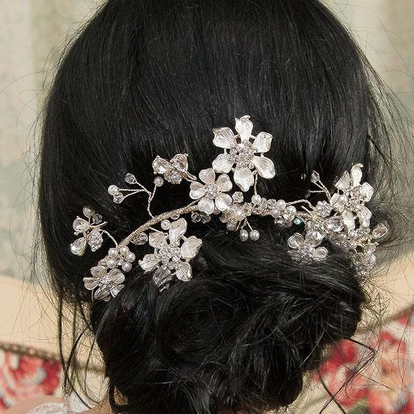 Accesoriu floral pentru păr, modelator, cu cristale și perle [0]