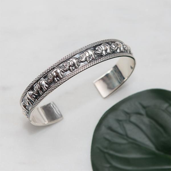 Brățară fixă din argint antichizat cu elefanți [1]
