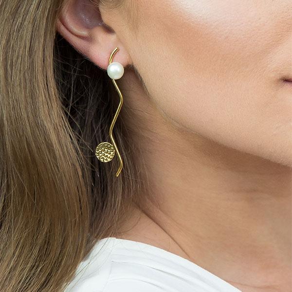 Cercei eleganți din argint placat cu aur, lungi cu perle [1]