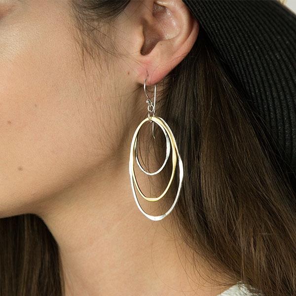 Cercei lungi din argint formați din forme ovale rodiate și placate cu aur [2]