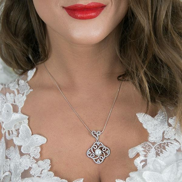 Pandantiv elegant din argint 925 cu perlă și cristale strălucitoare [1]