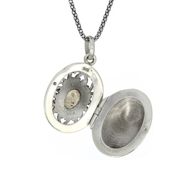 Pandantiv-casetă din argint decorat cu piatră de sidef [1]