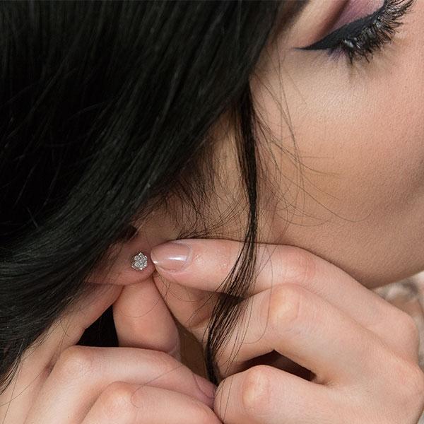 Set bijuterii argint pentru mirese cu cercei și colier cu zirconii [3]