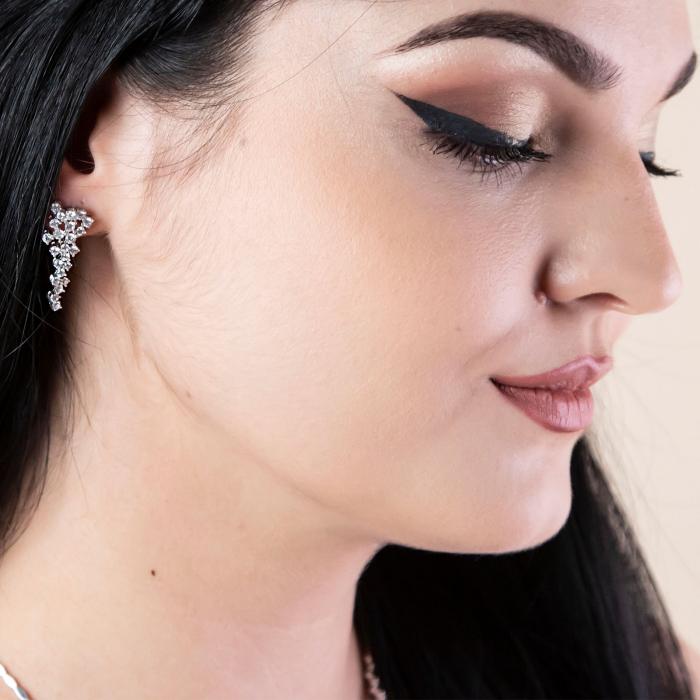 Set elegant din argint cu cercei și colier decorat cu zirconii [5]