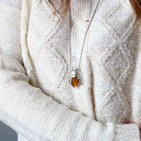 Broșă argint model insectă, decorată cu piatră de chihlimbar [2]
