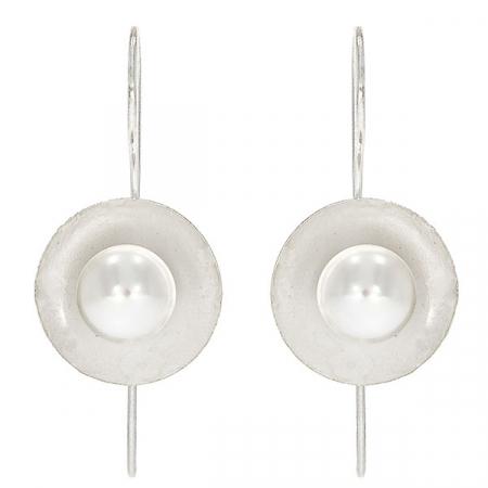 Cercei eleganți din argint satinat mat cu perlă [0]