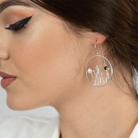 Cercei rotunzi din argint satinat cu perle [1]