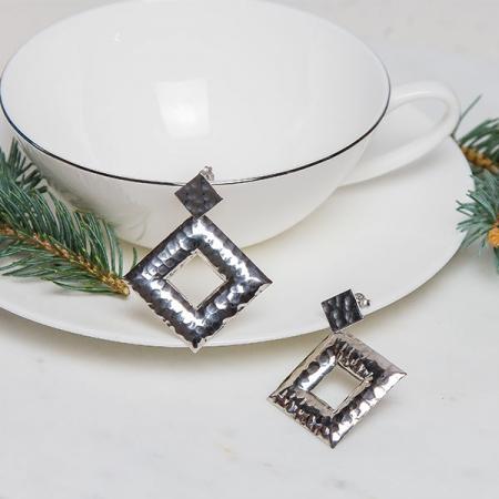 cercei-lungi-argint-rodiat-texturat-model-geometric-janette [3]