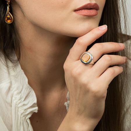 Inel pătrat din argint cu piatră de chihlimbar [0]