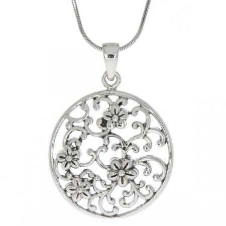 Pandantiv rotund din argint antichizat cu detalii florale [2]