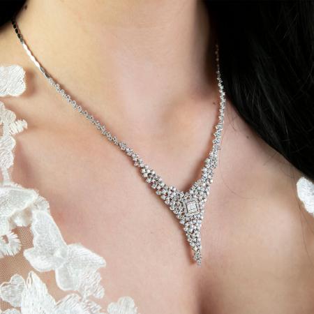 Set elegant din argint cu cercei și colier decorat cu zirconii [3]