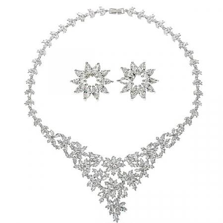 Set bijuterii pentru mireasă cu cercei și colier cu motive florale și cristale [4]