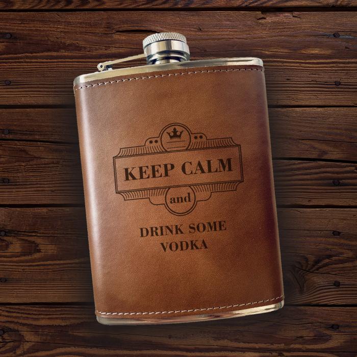 Sticlă de buzunar din piele Keep Calm, personalizată cu nume [0]